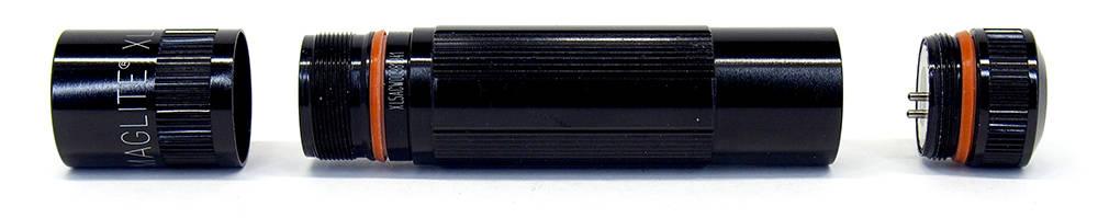 Maglite XL50 szétszedve