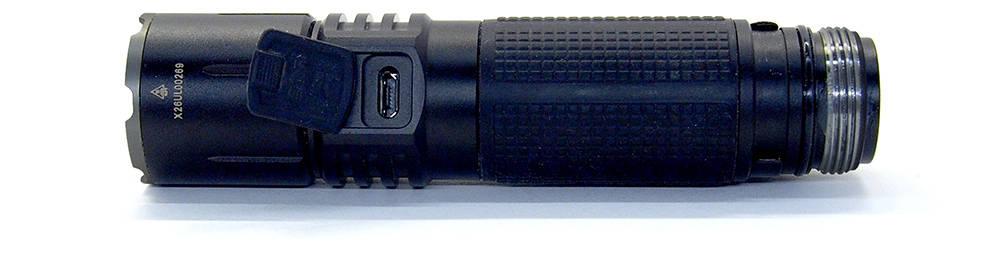 Klarus 360X1 USB csatlakozó