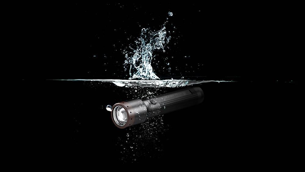 Ledlenser P7R Core underwater banner