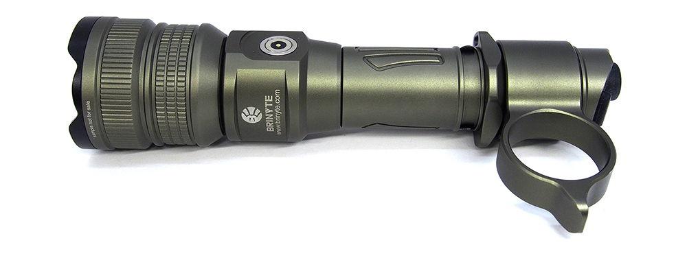 Brinyte PT18 Pro Oathkeeper combat ring felszerelve